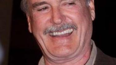John Cleese følger ikke længere så nøje med i, hvad der bliver lavet af komedieserier til tv