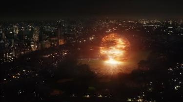 Genindspilning. Scott Derricksons genindspilning af scifi-klassikeren 'The Day the Earth Stood Still' beskæftiger sig med komplekse eksistentielle og politiske emner. Emner den apokalyptiske science fiction-film er velegnet til at debattere - og sætte på spidsen.