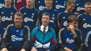 Her prøver Anders Fogh Rasmussen at få fat på det segment, som er optaget af sport