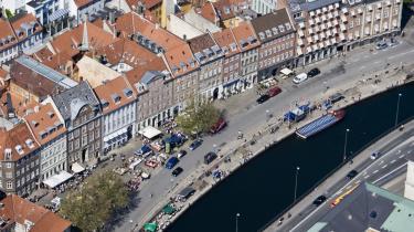 Debatten om metrostationer i København er præget af særinteresser. Hvis København skal undgå trafikalt kaos, bør en metrostation ligge på Gammel Strand, mener dagens kronikør.