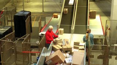 Når nu man ikke er garanteret, at ens pakker kommer ud, fordi de forsvinder, hvorfor så ikke spare på miljøet og pengepungen ved at sende juleposten elektronisk