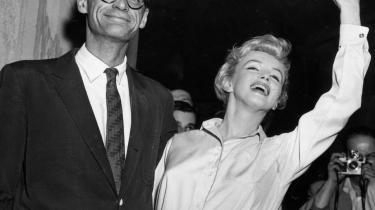 Christopher Bigsbys nye biografi viser, at Marilyn Monroe var et forvirret og psykisk invalideret menneske med en livstil, der mindede mere om Amy Winehouses end om den drømmepige, vi forbinder hende med. Arthur Miller måtte give op i deres ægteskab