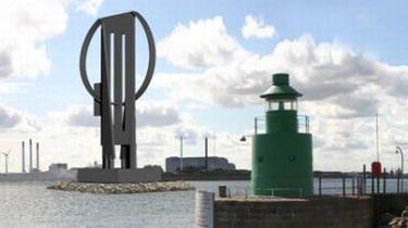 En model af den 72 meter høje Store Robert på en ø i Københavns havn.