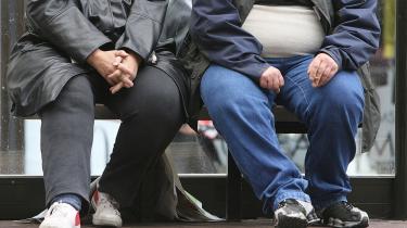 Fedme. De sunde og slanke taler og taler. Men de siger ikke noget, som de overvægtige ikke selv ved i forvejen.