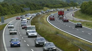Udbygget billigere kollektiv trafik, roadpricing på alle større indfalds-, lande- og motorveje og byer uden personbilisme er nødvendigt.