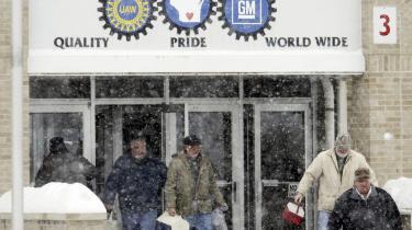 Krise. Den 23. december 2008 blev samlebåndet slukket efter 90 års bilproduktion på fabrikken i Janesville, og folk forlod fabrikken for sidste gang - nu som arbejdsløse.