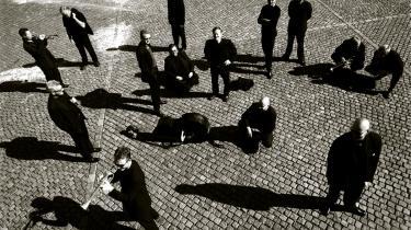 Nyd dem! Ifølge dagens kronikør fører besparelser og ensretningen i DR til, at der bliver langt mellem gensynene med DR-s Big Band. Her set på Nytorv i København i 2003.