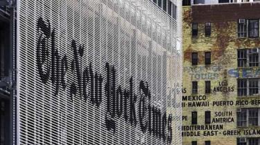 New York Times er truet på livet. I branchen spekuleres der på, om verdens vigtigste avis overhovedet kan reddes