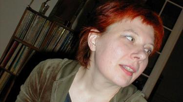 Lydhørhed kan godt være en fejl, hvis den får alting til at støje, skriver Juliane Preisler, der er aktuel med romanen 'Privatpersoner'