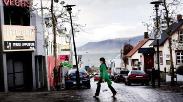 Reykjavik. Det er en hel generation, der har boet, rejst og betaget det meste af den resterende verden, der pludselig er blevet nødt til flytte tilbage til scratch - i deres forældres kældre.