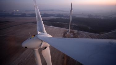 Priserne på CO2-kvoterne er styrtdykket, blandt andet fordi virksomhederne tænker mindre grønt på grund af den finansielle krise.