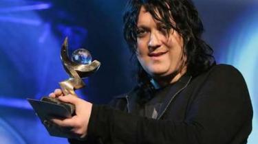 Antony Hegarty, da han i 2005 yderst chokeret blev hædret med en Brit Award og 20.000 pund for albummet -I am a bird now-.