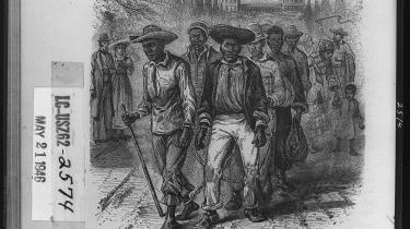 Flere hundrede sorte slaver var med til at bygge Det Hvide Hus og United States Capitol i slutningen af 1700-tallet. Forfatteren Jesse Thomas og mange andre sorte amerikanere håber, at Barack Obama i dag vil hædre slaverne i sin indsættelsestale