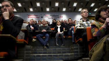 Medarbejderne på Biologisk Institut på Københavns Universitet var samlet til stormøde om nedskæringerne i fredags. 12 forskere skal afskediges som følge af et underskud på godt 30 millioner kroner.