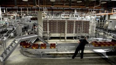 Bryggeriet Carlsberg har for nyligt fyret 450 medarbejdere. For øjeblikket stiger ledigheden i Danmark hastigt, og økonomer forudser, at vi har 160.000 ledige ved udgangen af 2010