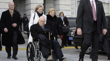 Farvel. Det var, som om en hel doktrin blev kørt ud med vicepræsident Dick Cheney i kørestol tirsdag aften.