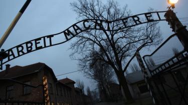 På dagen i dag i 1945 blev den nazistiske koncentrationslejr Auschwitz befriet af sovjetiske styrker. 27. januar er officiel Auschwitz-dag i Danmark, hvor der sættes fokus på Holocaust og folkedrab. Udover det nazistiske folkemord bliver der mindes også senere folkemord, som dem i Rwanda, Darfur og Bosnien.