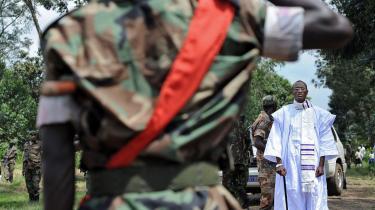 Tutsilederen Laurent Nkunda hilses af sine tropper den 29. november 2008 efter et møde med FN. Den 23. januar 2009 blev Nkunda arresteret i Rwanda.