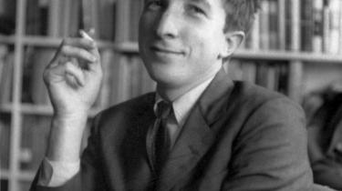 Realist. Den afdøde forfatter John Updike beskrev sig selv som en slags realist, der skrev om den amerikanske middelklasse, fordi hans syntes, at den blev latterliggjort i andre bøger.
