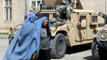 Vi vil gerne befri afghanske kvinder for burkaen, men hvordan kan vi acceptere pædofili, når afghanske soldater udnytter deres oppasere? spørger forfatteren Carsten Jensen.