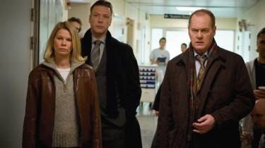 Nuancer. Stina Rautelin , Mikael Persbrandt og Peter Haber i hovedrollerne i den svenske krimiserie -Beck-, som bygger på et menneskesyn, der var udbredt for 30 år; et med nuancer og den slags.