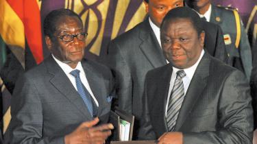 Afrikanske præsidenter har tvunget oppositionsleder Morgan Tsvangirai i regering med Mugabe uden at give ham redskaber til at modstå præsidentens magtmisbrug