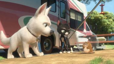 Bolt. Filmen om superhunden, der har premiere i dag, er Dissneys første 3D-film, som Pixar-troldmanden John Lasseter har haft ansvaret for.