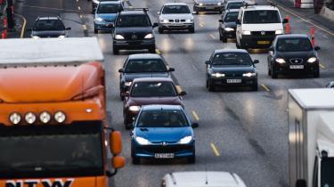 Problemet med -En grøn transportpolitik- er den manglende politiske vilje til endeligt at tage det nødvendige opgør med den sædvanlige praksis om masser af penge til overflødige motorveje.