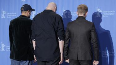Bedøm selv bagdele: Woody Harrelson (tv), Ben Foster (th) og producer Oren Moverman (im).