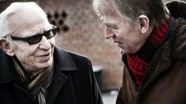 Bjarne Jensen (t.v.), der var med til at stifte SF i 1959, mødtes i går med partiformand Villy Søvndal på stedet, hvor det hele begyndte for 50 år siden - Holmegårdskolen i Hvidovre.