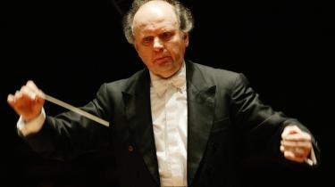 Marek Janowski var ikke bange for Koncerthusets nymodens akustik, men styrede den med hård hånd. Og hvilken hånd!