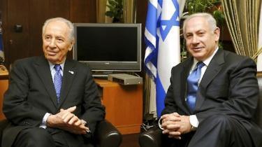 Likud-lederen Benjamin Netanyahu vil føre forhandlinger med sin Kadima-rival Tzipi Livni, siger han fredag efter møde med Israels præsident, Shimon Peres