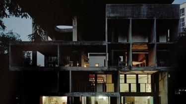 Arkitektur. Nye bøger, billeder og udstillinger om huse, lys, og bæredygtighed