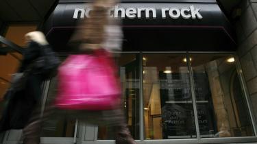 Noget af Gordon Browns nationaliseringsstrategi er lykkedes, selv om Royal Bank of Scotland offentliggør rekordunderskud på 25 milliarder pund