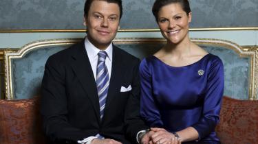 Forlovelsen mellem kronprinsesse Victoria og hendes Daniel Westling har skabt stor glæde i Sverige.