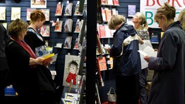 På sigt kan det være danskerne må kigge langt efter spændende bogtitler. Flere danske forlag er i krise, og senest har Lindhardt og Ringhof samt Borgens forlag måttet fyre medarbejdere.