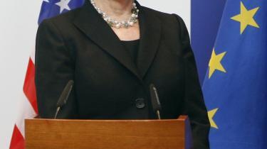 På sit første officielle Bruxelles-besøg omtalte USA's udenrigsminister klimatopmødet i København gentagne gange. Og Kina vil gerne være med, beroliger hun