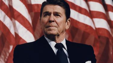 Præsident Ronald Reagan ville rotere i sin grav over, hvordan det er endt for hans ultraliberale politik. For ham var -staten- det mest skræmmende ord, der fandtes.