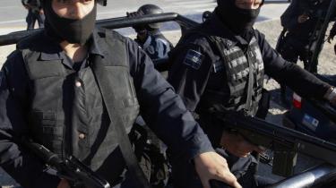 Mexicos præsident har sat 40.000 soldater ind i kampen mod narkokartellerne. Ikke desto mindre vurdererUSA-s efterretningstjeneste, at Mexico -har mistet kontrollen over eget territorium-.