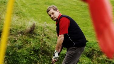 Billedet af den tidligere konservative leder Bendt Bendtsen er krakeleret noget, efter at det er kommet frem, hvordan den hårdtarbejdende minister også har haft tid til igen og igen at spille golf med erhvervslivets spidser.