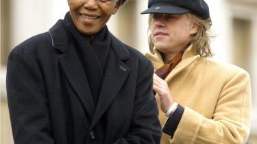 Menneskerettighedsaktivist og nu politisk kandidat, Bob Geldorf med Nelson Mandela på Trafalgar Square i 2005.