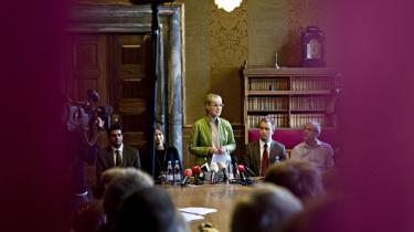 Ritt Bjerregaard var flankeret af alle de øvrige fire medlemmer af S-gruppeledelsen på sit pressemøde i går. Alle »kunne være fremragende overborgmesterkandidater«, sagde hun - men afviste at udpege en efterfølger.