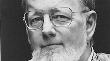 Den amerikanske professor Tracy Daugherty skrevet Barthelme-biografien Hiding Man, hvori man følger Barthelmes liv fra de unge år i Philadelphia til hans modne tid i New York og Europa