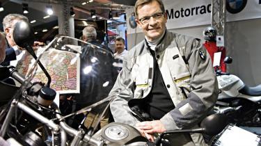 Daværende økonomi- og erhvervsminister Bendtsen (K) reklamerede for en motorcykel, som han siden købte med klækkelig rabat fra forhandler Jens Winther, som Bendtsen ikke som bankminister greb ind over for, da Jens Winther var formand for Roskilde Bank, og millionerne fossede.