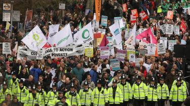 I London benyttede titusindvis af englændere weekenden til at demonstrere - meget fredeligt - for større lighed, imod globalisering og for social retfærdighed inden det forestående G20-topmøde.