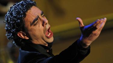 Den mexicanske tenormeteor Rolando Villazón har allieret sig med et specialistensemble i barokmusik og indspillet en Händel-cd, og det lyder oftest slemt, skriver Informations anmelder.
