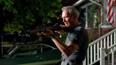Clint Eastwoods seneste film, 'Gran Torino', er en slags humanistisk korrektiv til 'Dirty Harry'. Det er også en morsom og rørende skildring af venskabet mellem en gammel mand og en ung knægt og et levende portræt af et land, Amerika, der ikke er, hvad det var engang