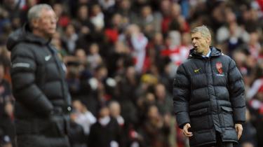 Rivaler. Manchester Uniteds Alex Ferguson og Arsenals Arsene Wenger mødes fire gange i den næste tid. Nok ikke bare på banen, men også i diskussioner i medierne.
