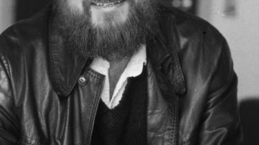 Røde Ralf. På det store billede ses Ralf Pittelkow, da han var marxist og lektor ved Institut for Litteraturvidenskab, Københavns Universitet, 1979. På det lille billede ses Pittelkow med ægtefællen Karen Jespersen i 1987.