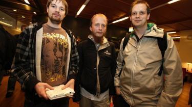 Fredrik Neij (t.v.), Gottfrid Svartholm og Peter Sunde (t.h.) fra The Pirate Bay tabte første omgang af retsopgøret om fildelings-tjenesten.